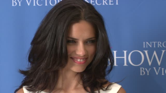 vídeos de stock, filmes e b-roll de adriana lima at the victoria's secret supermodel adriana lima introduces the showstopper by victoria's secret at new york ny. - adriana lima