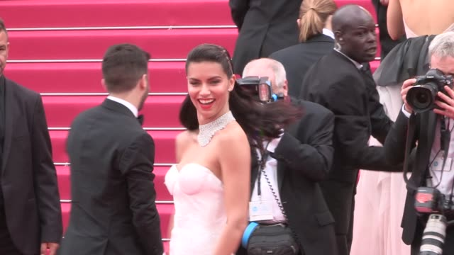 vídeos de stock, filmes e b-roll de adriana lima stuns on the red carpet for the premiere of nelyubov at the cannes film festival 2017 on may 17 2017 in cannes france - adriana lima