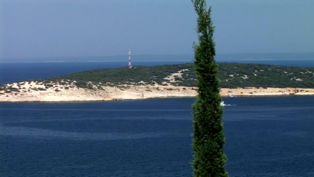 stockvideo's en b-roll-footage met hd: adriatic coastline - cres kroatië