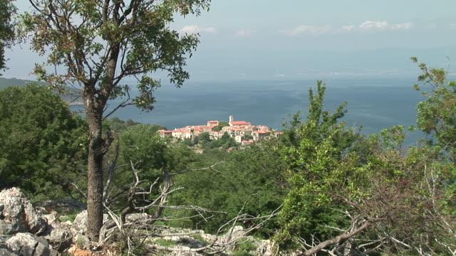 hd :アドリア海ヴィラージュ - ツレス点の映像素材/bロール