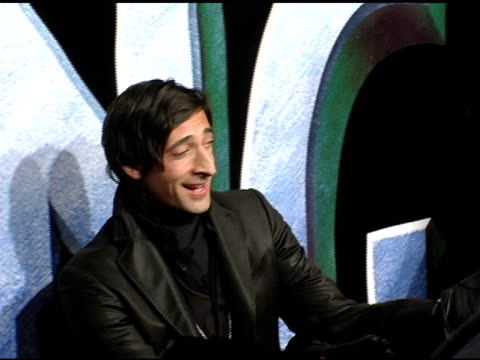 adrien brody at the 'king kong' new york premiere at loews e-walk and amc empire cinemas in new york, new york on december 5, 2005. - adrien brody stock videos & royalty-free footage