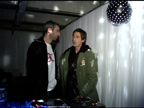 adrien brody at the motorola's 2nd annual late night lounge at motorola lodge in park city, utah on january 23, 2005. - adrien brody stock videos & royalty-free footage