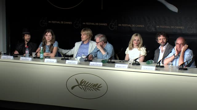 adrien brody, lea seydoux, owen wilson, woody allen, rachel mcadams, michael sheen at the midnight in paris press conference - michael sheen bildbanksvideor och videomaterial från bakom kulisserna