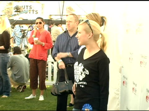 adrienne frantz at the 4th annual nuts for mutts event at pierce college in woodland hills, california on april 3, 2005. - adrienne frantz stock-videos und b-roll-filmmaterial