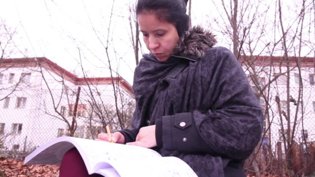 adult coloring books - brief - ohrenschützer stock-videos und b-roll-filmmaterial