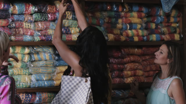 vídeos y material grabado en eventos de stock de adult female friends shopping - mérida méxico