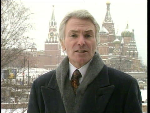 advance on grozny continues; itn moscow: kremlin: i/c - grosny stock-videos und b-roll-filmmaterial