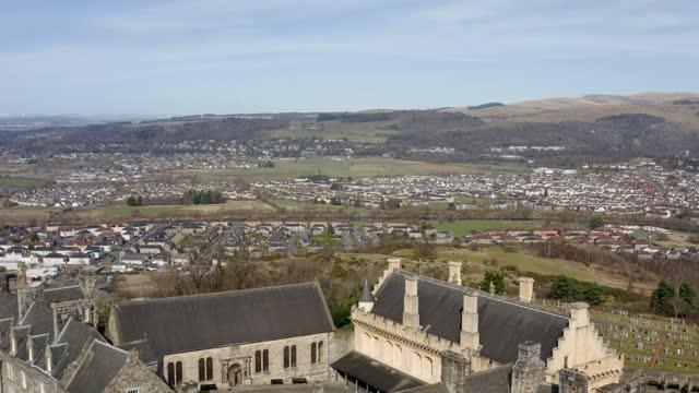 aerial 4k footage of stirling castle in stirling, scotland, uk - stirling stock videos & royalty-free footage