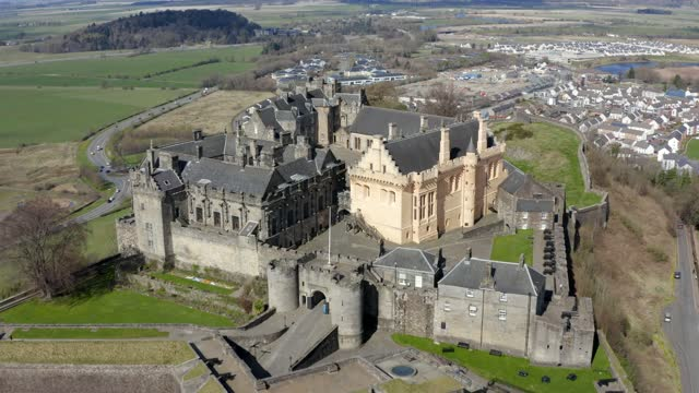 aerial 4k footage of stirling castle, scotland. uk - stirling stock videos & royalty-free footage
