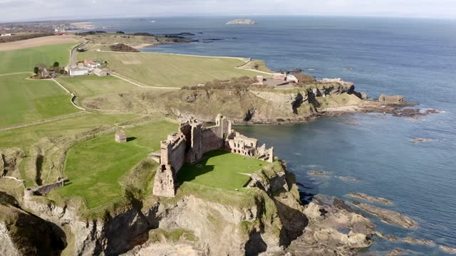 aerial 4k footage of tantallon castle , scotland, uk - scottish culture stock videos & royalty-free footage