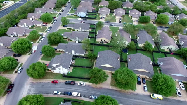aerial above homes and houses in suburb new modern development in central texas outside of austin, tx - modern rock stock videos & royalty-free footage