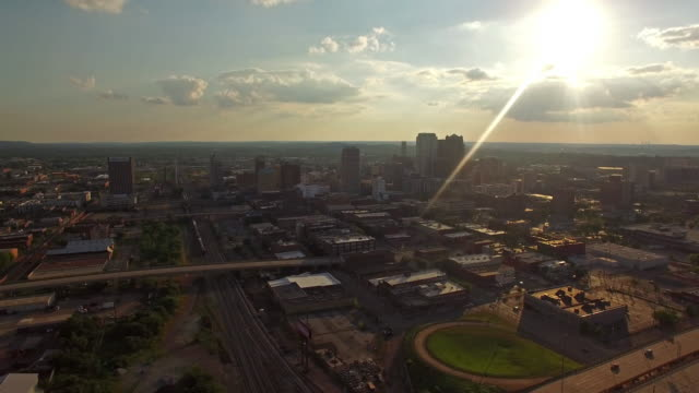 aerea in alabama, birmingham - birmingham alabama video stock e b–roll
