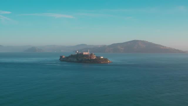 空中アルカトラズ島 - アルカトラズ島点の映像素材/bロール