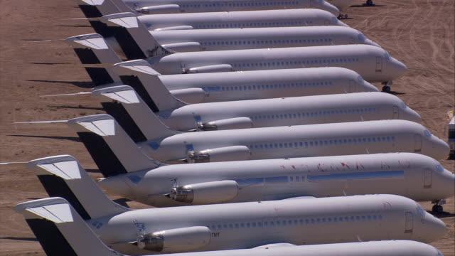 vídeos de stock, filmes e b-roll de aerial la cu ts at aeroplane graveyard / mojave desert, california, united states.   - 2005