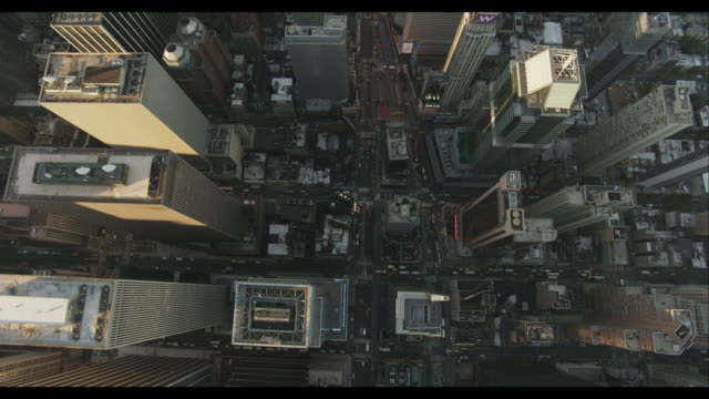aerial birds-eye-view of times square - draufsicht stock-videos und b-roll-filmmaterial