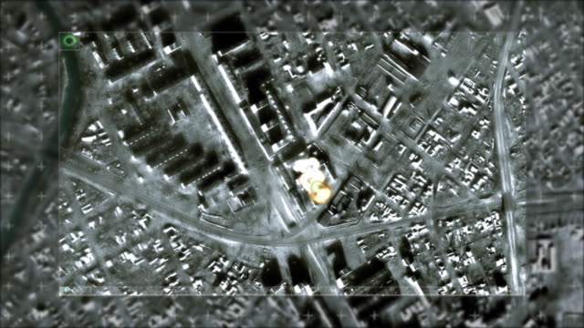 stockvideo's en b-roll-footage met aerial bombardment wartime bomb drop - raket wapen