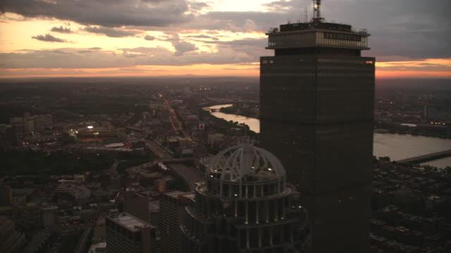 aerial boston skyline sunset - fluss charles stock-videos und b-roll-filmmaterial