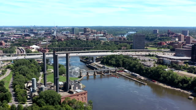 aerial bridge over mississippi river in minneapolis - minnesota stock videos & royalty-free footage