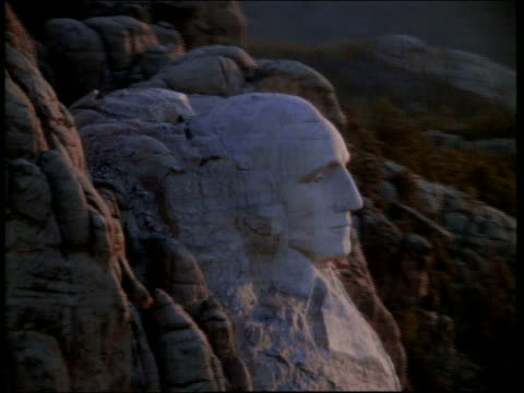 aerial circling mount rushmore / south dakota - mt rushmore national monument stock videos and b-roll footage