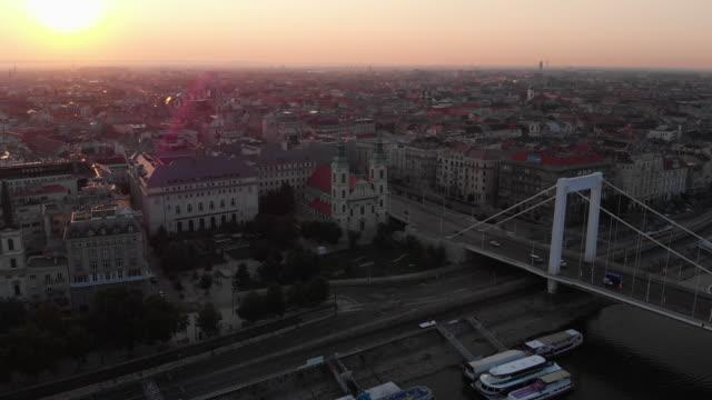 vídeos y material grabado en eventos de stock de paisaje aéreo de budapest al amanecer - cultura húngara