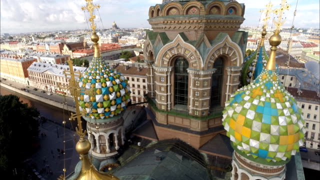aerial close up of the church of the savior on blood, saint petersburg - st. petersburg russia stock videos & royalty-free footage