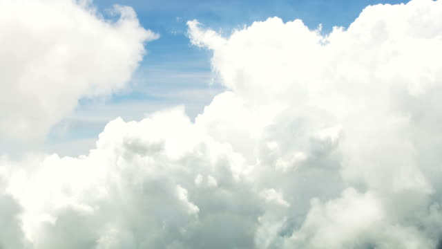 vídeos de stock, filmes e b-roll de aerial cloudscape sky view natural light silence freedom - cúmulo nimbo