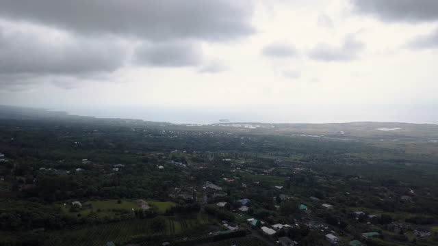 aerial cloudy view waterfront of kailua-kona, big island of hawaii, usa - big island hawaii islands stock videos & royalty-free footage