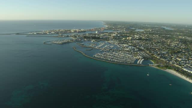 aerial coastline view fremantle harbor and marina perth - フリーマントル点の映像素材/bロール
