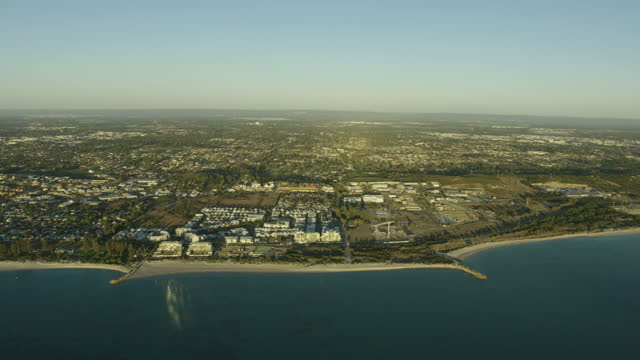 aerial coastline view perth suburb city of cockburn - フリーマントル点の映像素材/bロール