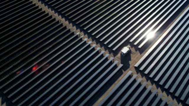 aerial desert view photovoltaic solar power station nevada - nevada stock-videos und b-roll-filmmaterial