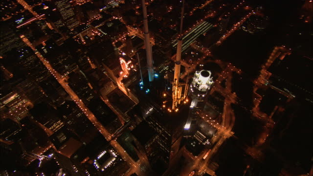 aerial ws downtown above sears tower and surrounding cityscape / chicago, illinois, usa - willis tower stock videos and b-roll footage