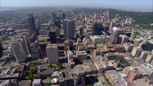 aerial ws downtown cityscape / montreal, quebec, canada - montréal stock videos & royalty-free footage
