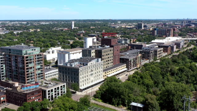 stockvideo's en b-roll-footage met aerial downtown minneapolis mill district - st. paul minnesota