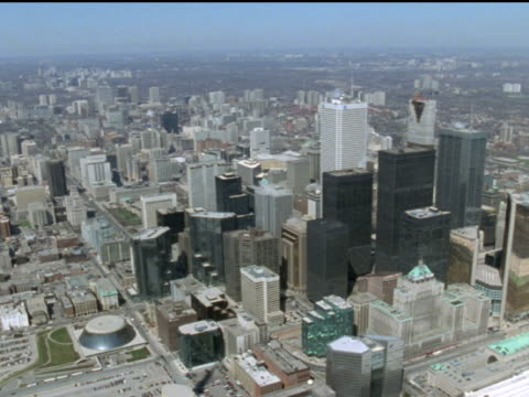 1989 aerial downtown toronto and cn tower - elevated road stock videos & royalty-free footage