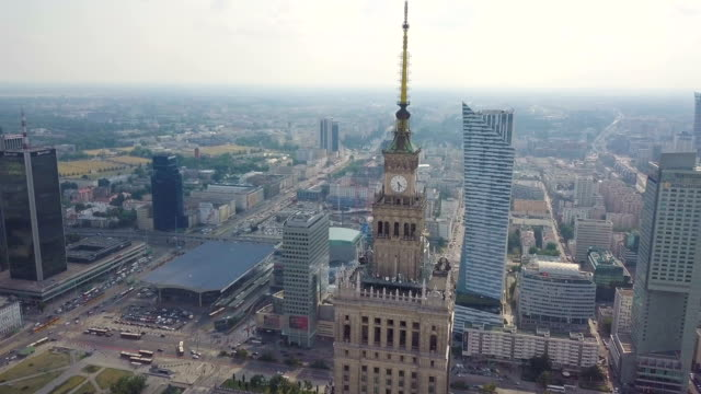 aerial /downtown warsaw with palace of culture and science - warszawa bildbanksvideor och videomaterial från bakom kulisserna