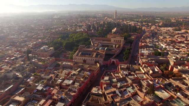 vídeos de stock e filmes b-roll de aerial drone footage of residential district on sunny day - marrocos