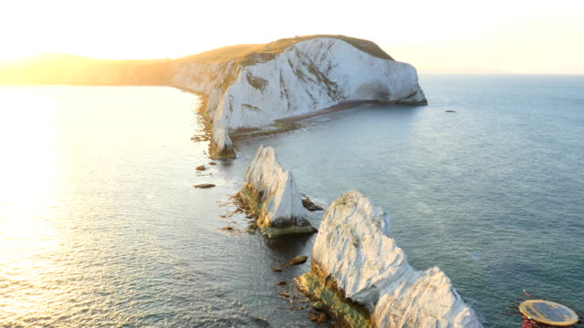 aerial drone isle of wight needles england travel - kreidefelsen stock-videos und b-roll-filmmaterial