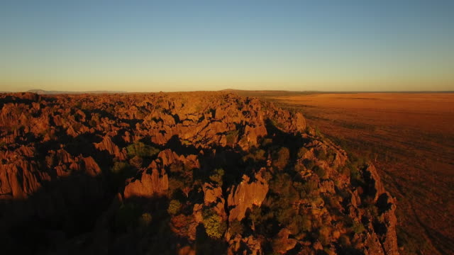 aerial drone over windjana gorge - sunrise dawn stock videos & royalty-free footage