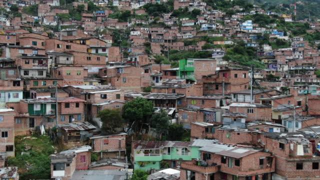 コロンビアの大都市の空中ドローンショット - colombia点の映像素材/bロール