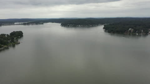 aerial drone shot of lake hopatcong, new jersey. - aerial or drone pov or scenics or nature or cityscape stock videos & royalty-free footage
