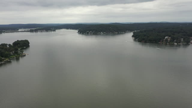 aerial drone shot of lake hopatcong new jersey - aerial or drone pov or scenics or nature or cityscape stock videos & royalty-free footage
