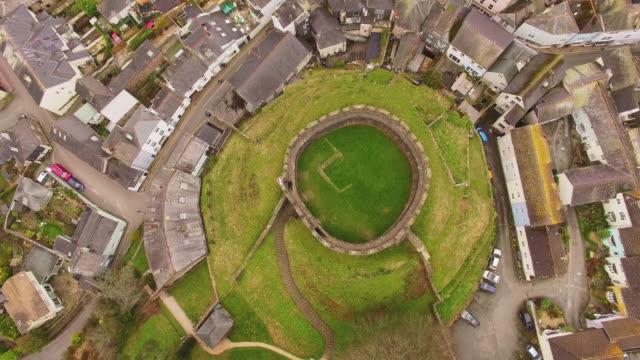 aerial drone shot of totnes castle, devon uk - castle stock videos & royalty-free footage