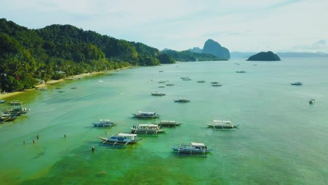 Luftbild-Drohne Schuss Tropeninsel mit Felsen, Palawan, Philippinen