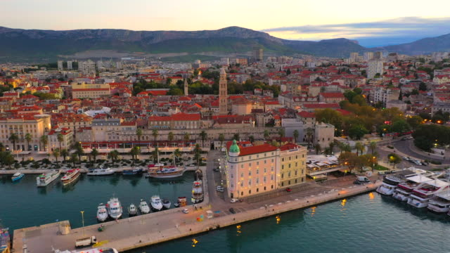 aerial drone view bell tower of cathedral of saint duje and old city of split on adriatic coast, split, croatia - croazia video stock e b–roll
