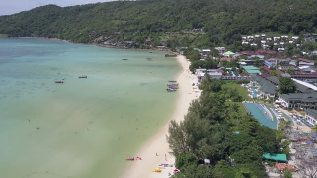 aerial drone view of ko pipi island in southern thailand - phi phi islands stock videos & royalty-free footage