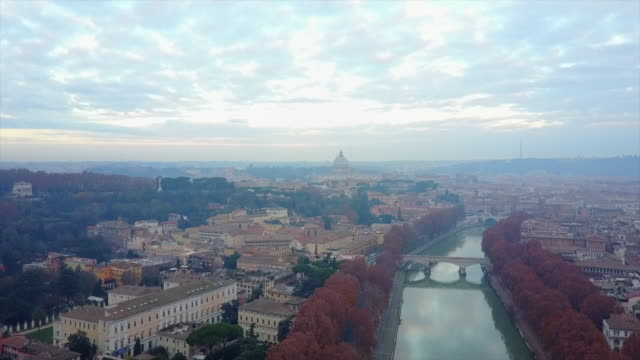 aerial drone view of rome, italy and the river tiber. - time-lapse - roma città video stock e b–roll