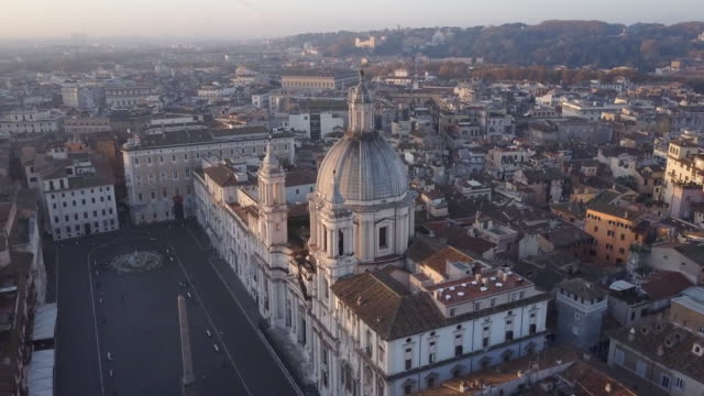 aerial drone view of rome, italy, piazza navona square, and sant agnese in agone catholic church. - cristianesimo video stock e b–roll