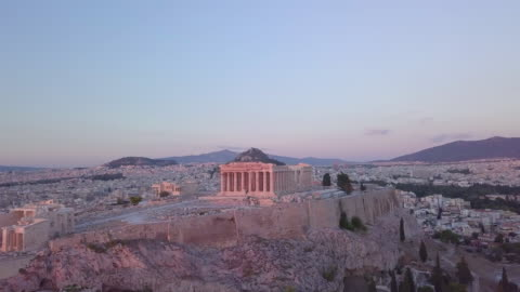 stockvideo's en b-roll-footage met aerial drone view of the acropolis and parthenon, athens, greece. - unesco world heritage site