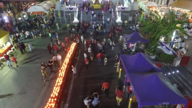 aerial drone view of yaowarat chinatown heritage center, chinese new year celebrations in chinatown section of bangkok, thailand. no audio - chinesisches laternenfest stock-videos und b-roll-filmmaterial