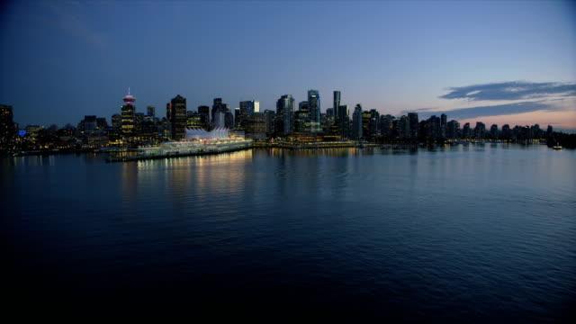 aerial dusk view vancouver harbour british columbia canada - フェリーターミナル点の映像素材/bロール
